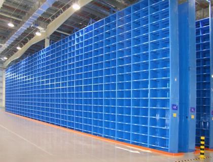 重庆某客户轻型箱柜式货架